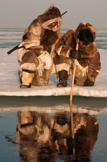 Inuits fishing